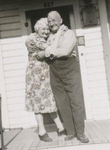 altes-gluckliches-ehepaar